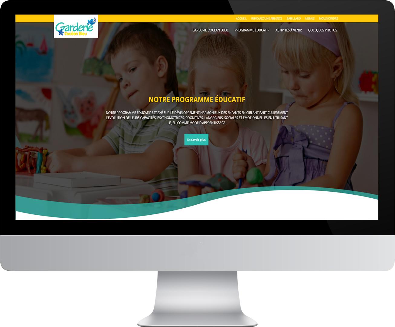 Site Web de la Garderie de l'OCéan bleu dans un gros écran d'ordinateur